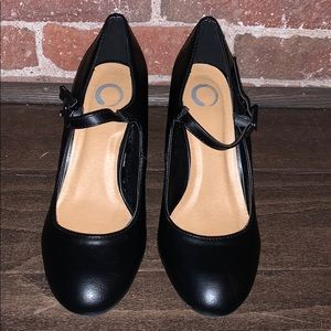 Black leather Maryjane's